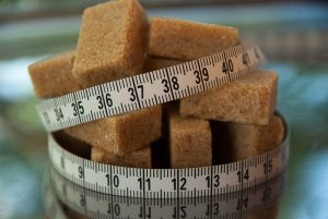 להחליף סוכר בממתיק מלאכותי האם זה באמת טוב לדיאטה?